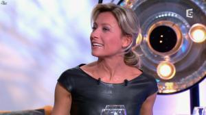 Anne-Sophie Lapix dans C à Vous - 04/10/13 - 47
