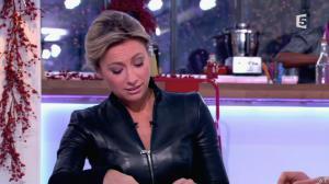 Anne-Sophie Lapix dans C à Vous - 13/12/13 - 12