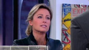 Anne-Sophie Lapix dans C à Vous - 13/12/13 - 19