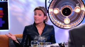 Anne-Sophie Lapix dans C à Vous - 13/12/13 - 20