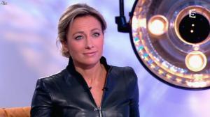 Anne-Sophie Lapix dans C à Vous - 13/12/13 - 24
