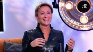Anne-Sophie Lapix dans C à Vous - 13/12/13 - 25