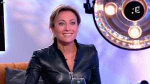 Anne-Sophie Lapix dans C à Vous - 13/12/13 - 26