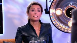 Anne-Sophie Lapix dans C à Vous - 13/12/13 - 27