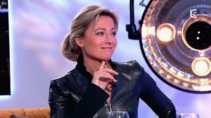 Anne-Sophie Lapix dans C à Vous - 13/12/13 - 31