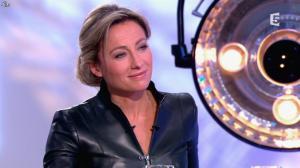 Anne-Sophie Lapix dans C à Vous - 13/12/13 - 34