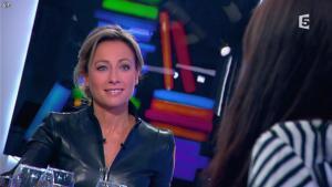 Anne-Sophie Lapix dans C à Vous - 13/12/13 - 36