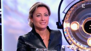 Anne-Sophie Lapix dans C à Vous - 13/12/13 - 38