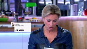 Anne-Sophie Lapix dans C à Vous - 15/11/13 - 01