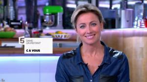 Anne-Sophie Lapix dans C à Vous - 15/11/13 - 02
