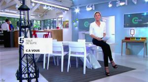 Anne-Sophie Lapix dans C à Vous - 19/05/14 - 01