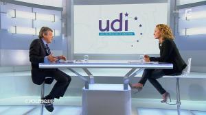 Caroline Roux dans C Politique - 20/10/13 - 37