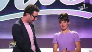Erika Moulet dans les People Passent le Bac - 27/05/14 - 02