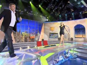 Michelle Hunziker dans Striscia la Notizia - 12/02/08 - 02