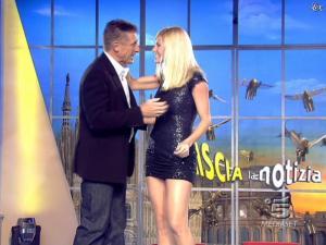 Michelle Hunziker dans Striscia la Notizia - 12/02/08 - 09