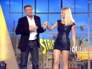 Michelle Hunziker dans Striscia la Notizia - 12/02/08 - 13