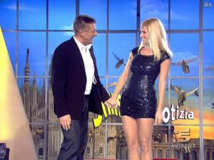 Michelle Hunziker dans Striscia la Notizia - 12/02/08 - 15