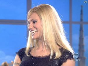 Michelle Hunziker dans Striscia la Notizia - 12/02/08 - 16