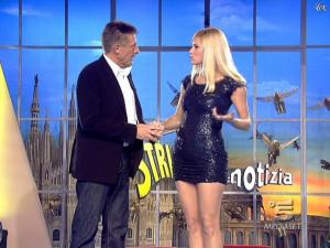 Michelle Hunziker dans Striscia la Notizia - 12/02/08 - 17