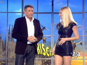Michelle Hunziker dans Striscia la Notizia - 12/02/08 - 19
