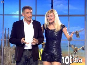 Michelle Hunziker dans Striscia la Notizia - 12/02/08 - 21