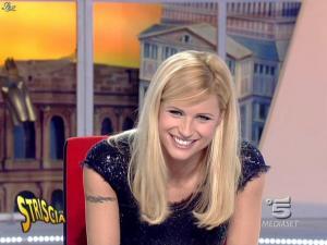Michelle Hunziker dans Striscia la Notizia - 12/02/08 - 25