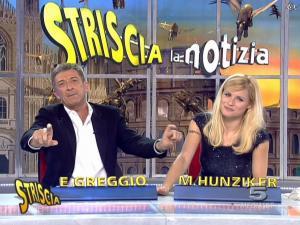 Michelle Hunziker dans Striscia la Notizia - 12/02/08 - 26