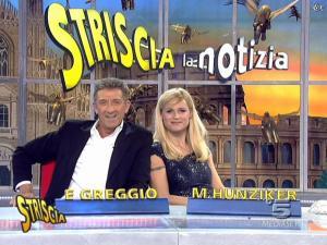 Michelle Hunziker dans Striscia la Notizia - 12/02/08 - 27