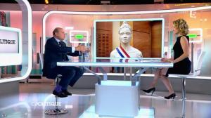 Caroline Roux dans C Politique - 24/05/15 - 09