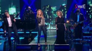 Caroline Roux et Chimène Badi dans la Télé Chante pour le Sidaction - 28/03/15 - 01