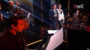 Cristina Cordula dans la Télé Chante pour le Sidaction - 28/03/15 - 01