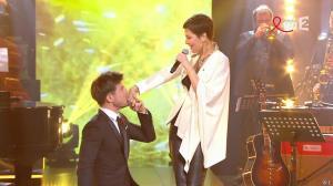 Cristina Cordula dans la télé Chante pour le Sidaction - 28/03/15 - 08