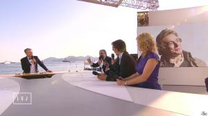 Karin Viard dans le Grand Journal de Canal Plus - 16/05/15 - 03