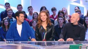 Mélissa Theuriau dans le Grand Journal de Canal Plus - 06/04/15 - 01