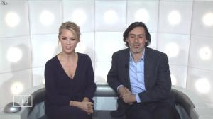 Virginie Efira dans le Grand Journal de Canal Plus - 13/04/15 - 03