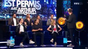 Caroline Ithurbide dans Vendredi Tout Est Permis - 22/04/16 - 02