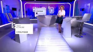 Caroline Roux dans une Bande-Annonce de C Politique - 10/04/16 - 01
