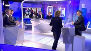 Caroline Roux dans C Politique - 07/02/16 - 07