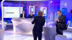 Caroline Roux dans C Politique - 07/02/16 - 12