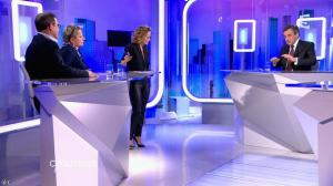 Caroline Roux dans C Politique - 07/02/16 - 16