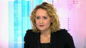 Caroline Roux dans C Politique - 08/11/15 - 12