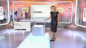 Caroline Roux dans C Politique - 11/10/15 - 005