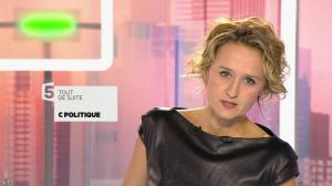 Caroline Roux dans C Politique - 11/10/15 - 007
