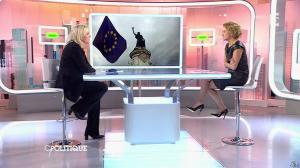 Caroline Roux dans C Politique - 11/10/15 - 018