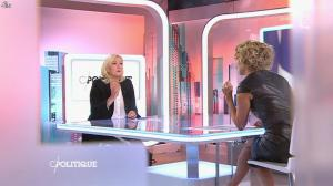Caroline Roux dans C Politique - 11/10/15 - 023