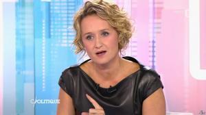 Caroline Roux dans C Politique - 11/10/15 - 028