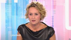 Caroline Roux dans C Politique - 11/10/15 - 032