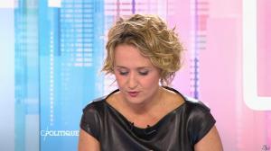 Caroline Roux dans C Politique - 11/10/15 - 043