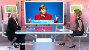 Caroline Roux dans C Politique - 11/10/15 - 048
