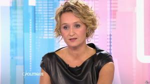 Caroline Roux dans C Politique - 11/10/15 - 053